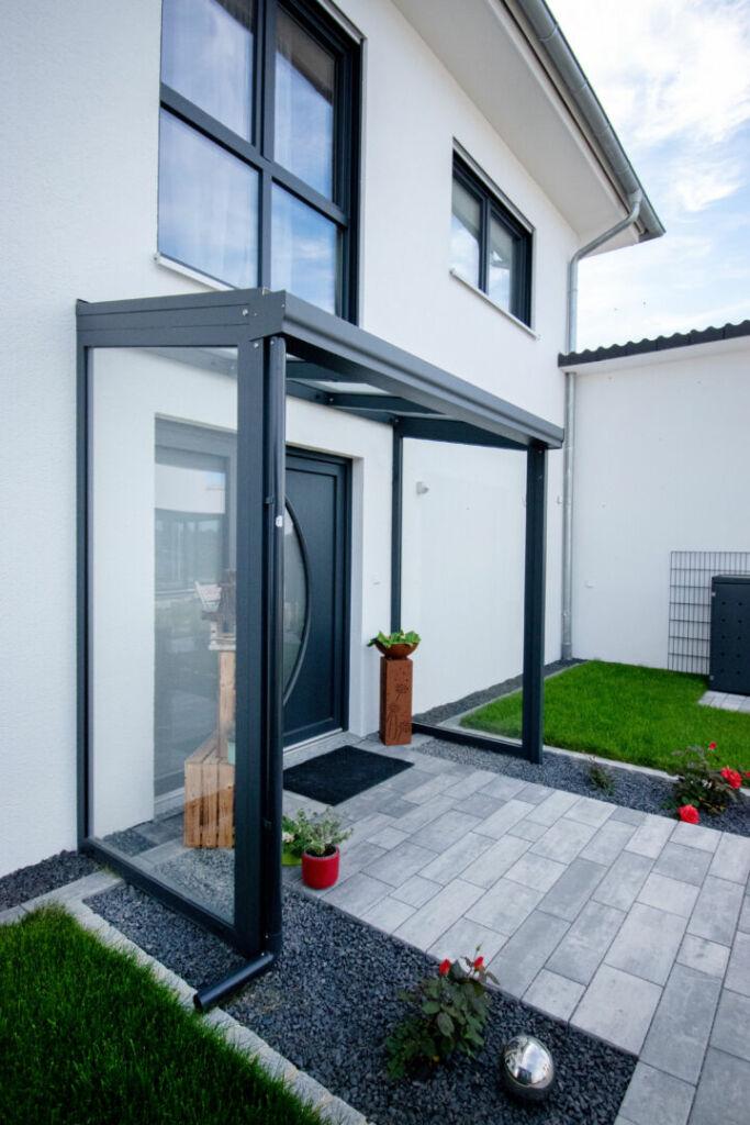 Eingangsüberdachung / Vordach